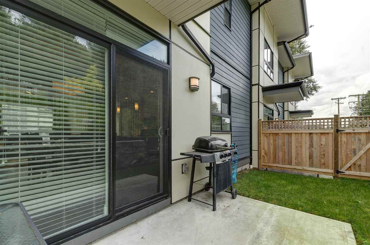"""Photo 18: Photos: 19 1968 NORTH PARALLEL Road in Abbotsford: Abbotsford East Townhouse for sale in """"Parallel North"""" : MLS®# R2443681"""