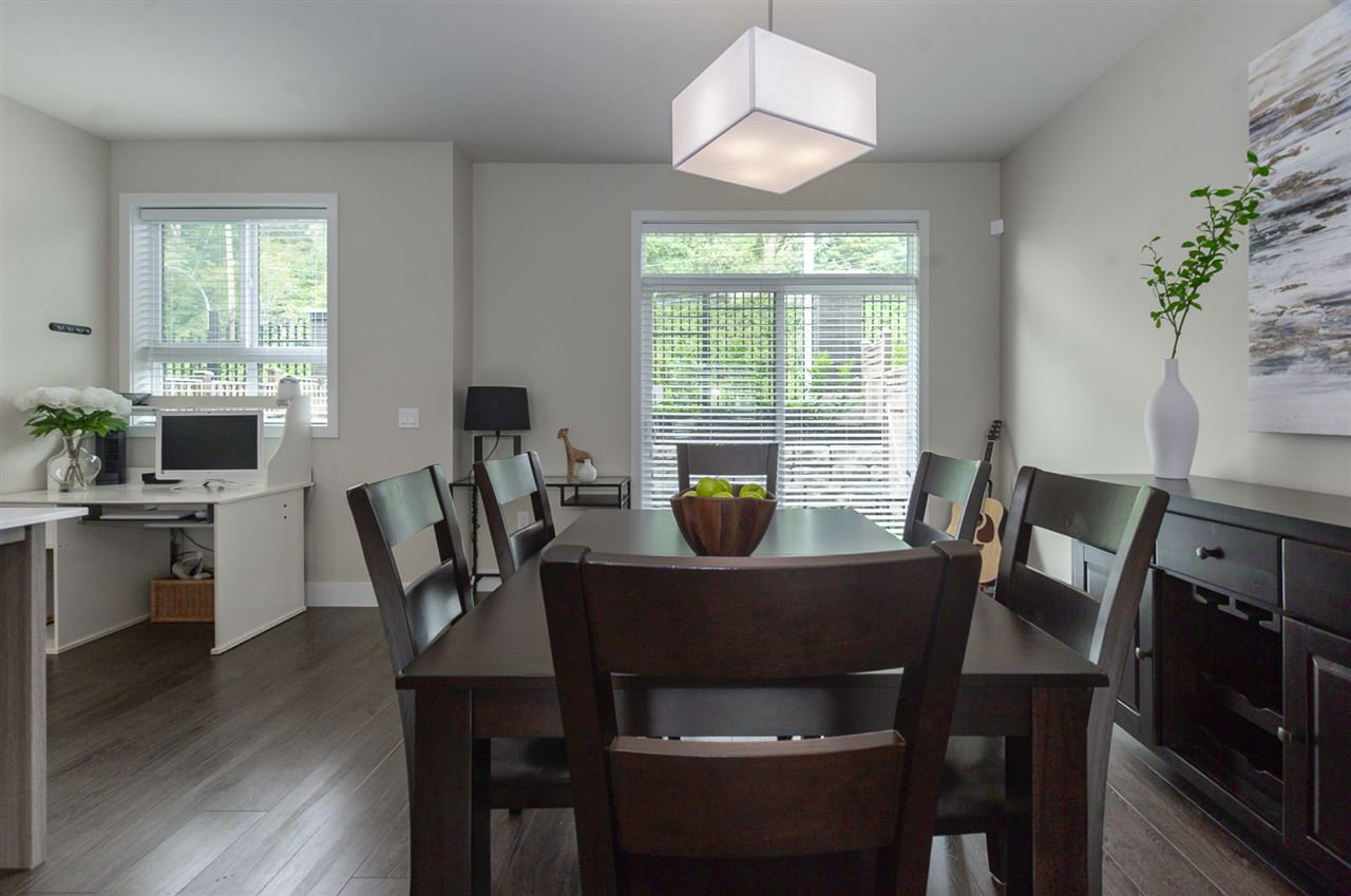 """Photo 5: Photos: 19 1968 NORTH PARALLEL Road in Abbotsford: Abbotsford East Townhouse for sale in """"Parallel North"""" : MLS®# R2443681"""