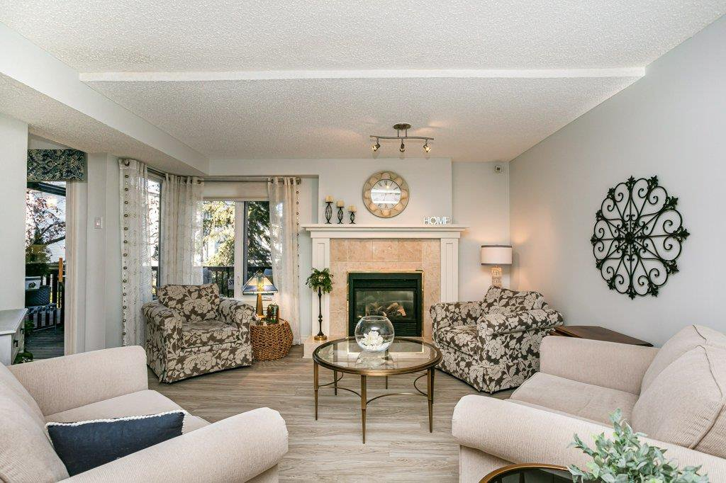 Main Photo: 4339 RIVERBEND Road in Edmonton: Zone 14 Townhouse for sale : MLS®# E4218073