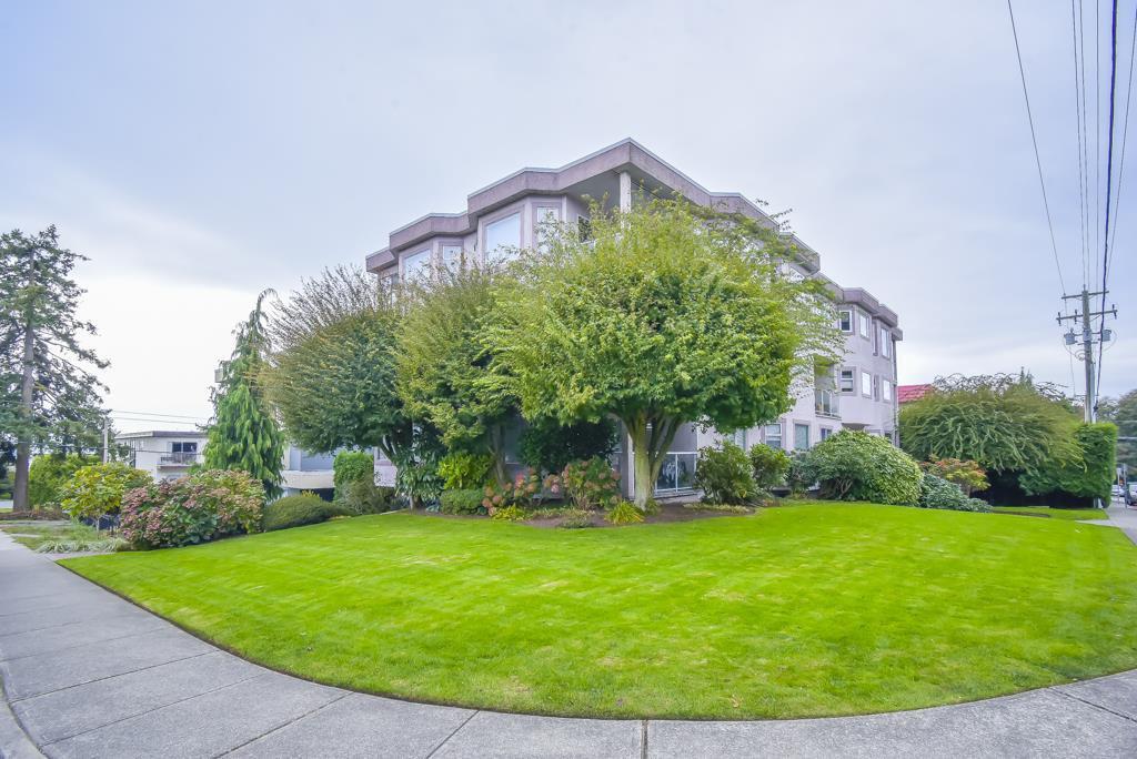 "Main Photo: 3 1291 FOSTER Street: White Rock Condo for sale in ""GEDDINGTON SQUARE"" (South Surrey White Rock)  : MLS®# R2513315"