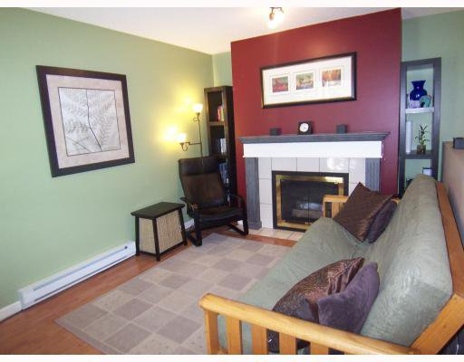 """Main Photo: 13 7345 SANDBORNE Avenue in Burnaby: South Slope Townhouse for sale in """"SANDBORNE WOODS"""" (Burnaby South)  : MLS®# V771729"""