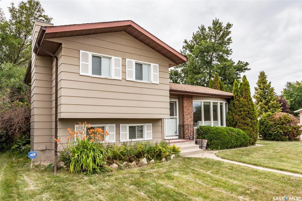 Main Photo: 1502 McKercher Drive in Saskatoon: Wildwood Residential for sale : MLS®# SK783138