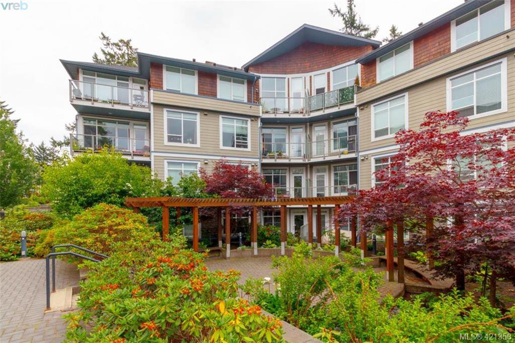 Main Photo: 106 611 Goldstream Ave in VICTORIA: La Fairway Condo for sale (Langford)  : MLS®# 833935