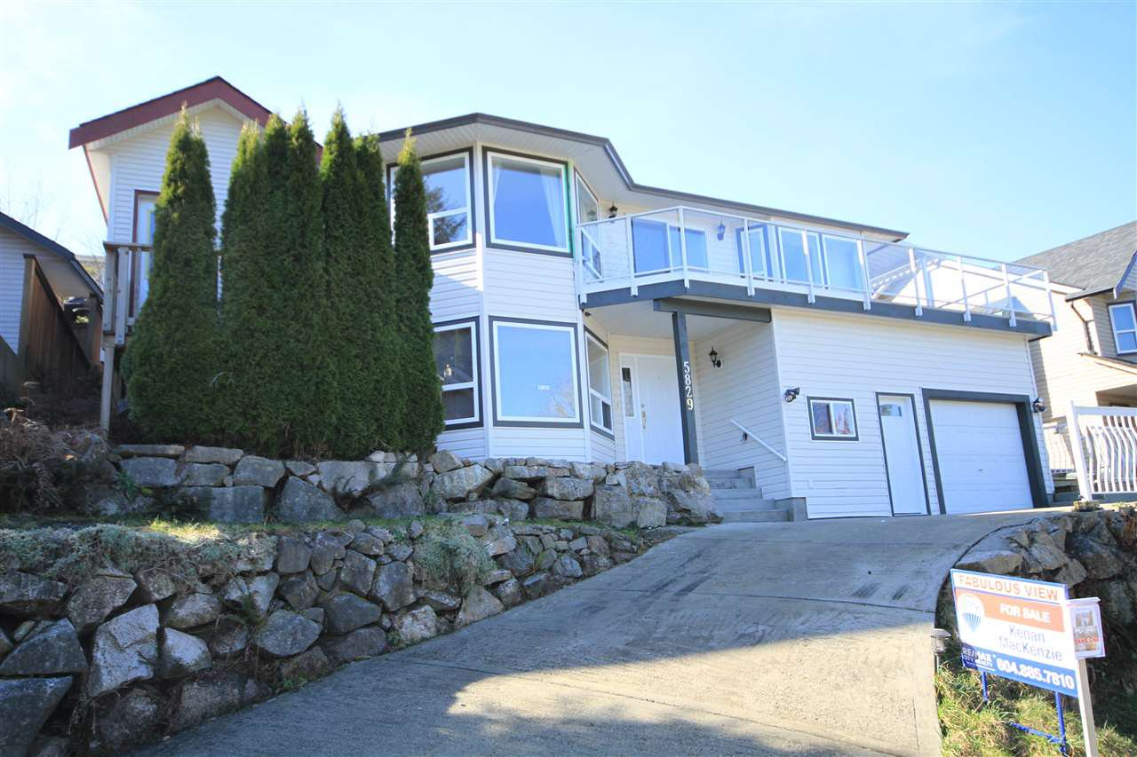 Main Photo: 5829 MARINE Way in Sechelt: Sechelt District House for sale (Sunshine Coast)  : MLS®# R2497296