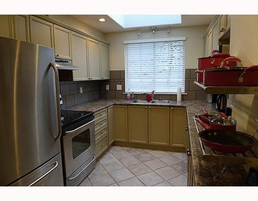 Photo 5: Photos: 161 E 4TH Street in North Vancouver: Lower Lonsdale Townhouse for sale : MLS®# V807223