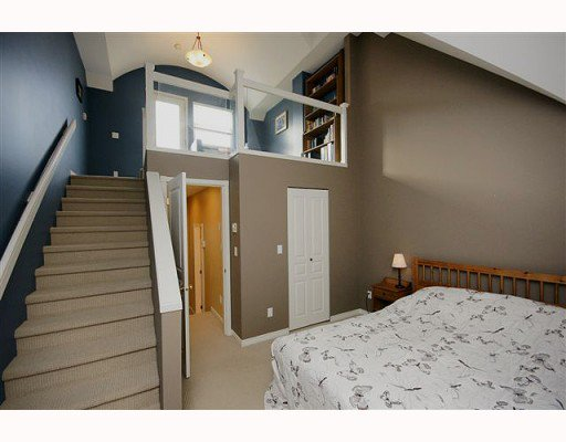 Photo 8: Photos: 161 E 4TH Street in North Vancouver: Lower Lonsdale Townhouse for sale : MLS®# V807223