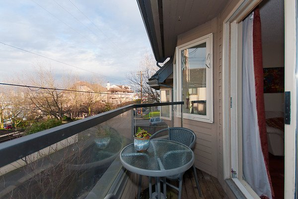 Photo 6: Photos: 2419 W 1ST Avenue in Vancouver: Kitsilano Townhouse for sale (Vancouver West)  : MLS®# V868161