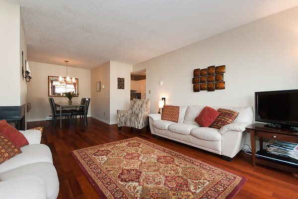 Photo 11: Photos: 2419 W 1ST Avenue in Vancouver: Kitsilano Townhouse for sale (Vancouver West)  : MLS®# V868161