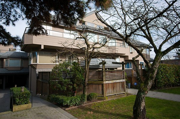 Photo 1: Photos: 2419 W 1ST Avenue in Vancouver: Kitsilano Townhouse for sale (Vancouver West)  : MLS®# V868161
