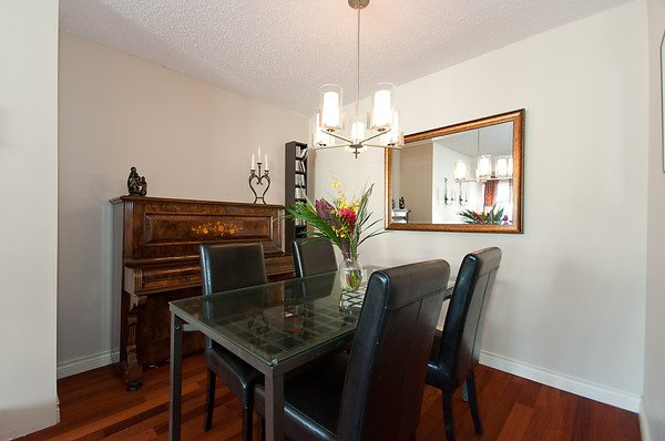 Photo 15: Photos: 2419 W 1ST Avenue in Vancouver: Kitsilano Townhouse for sale (Vancouver West)  : MLS®# V868161