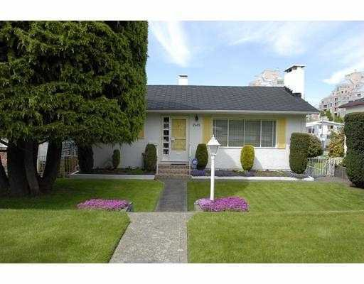 "Main Photo: 2465 E 11TH Avenue in Vancouver: Renfrew VE House for sale in ""RENFREW"" (Vancouver East)  : MLS®# V764767"