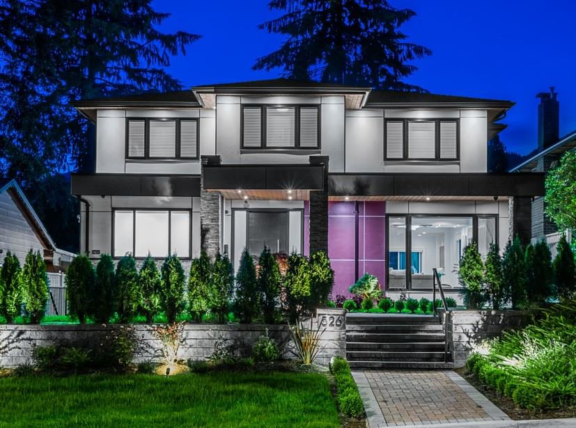 Main Photo: 526 W 23RD Street in North Vancouver: Central Lonsdale House for sale : MLS®# R2469882