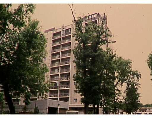 Main Photo: 246 ROSLYN Road in WINNIPEG: Fort Rouge / Crescentwood / Riverview Condominium for sale (South Winnipeg)  : MLS®# 2310052