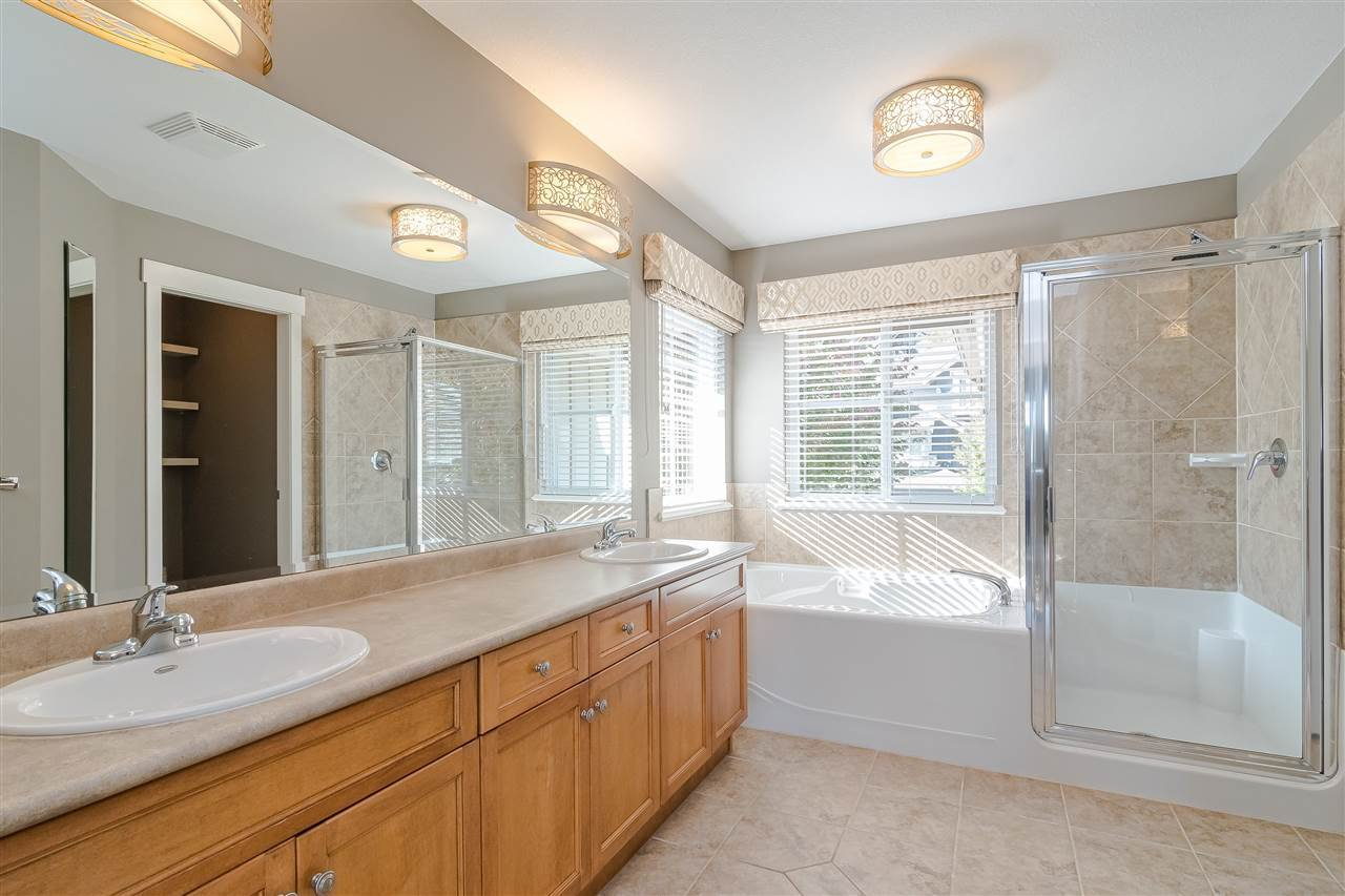 "Photo 18: Photos: 100 MAPLE Drive in Port Moody: Heritage Woods PM House for sale in ""AUGUST VIEW"" : MLS®# R2410143"