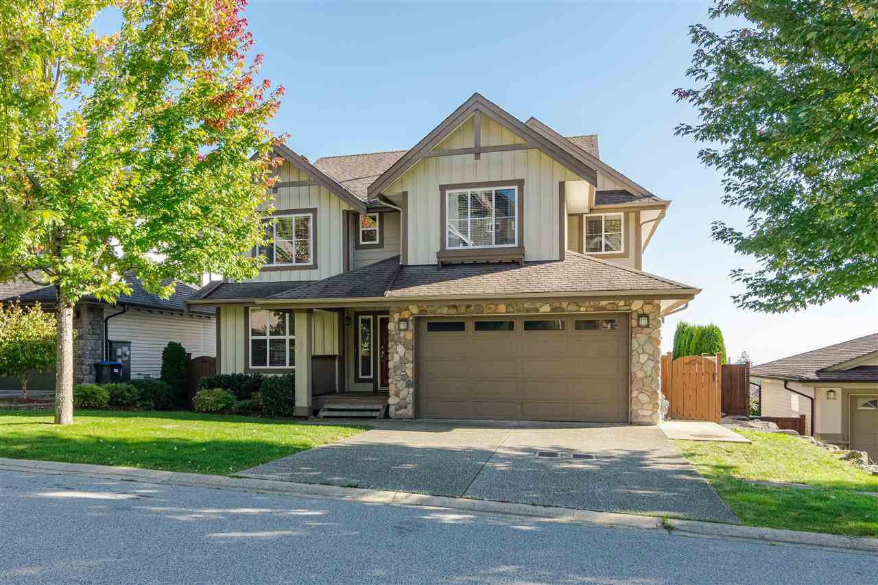 "Photo 3: Photos: 100 MAPLE Drive in Port Moody: Heritage Woods PM House for sale in ""AUGUST VIEW"" : MLS®# R2410143"