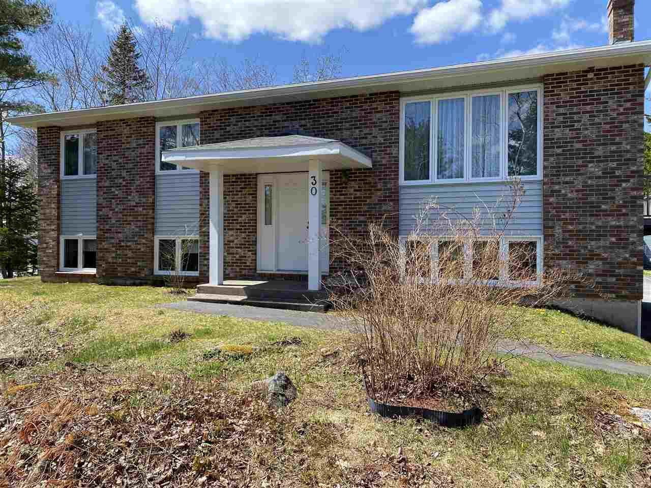 Main Photo: 30 Flat Lake Drive in Stillwater Lake: 21-Kingswood, Haliburton Hills, Hammonds Pl. Residential for sale (Halifax-Dartmouth)  : MLS®# 202007473