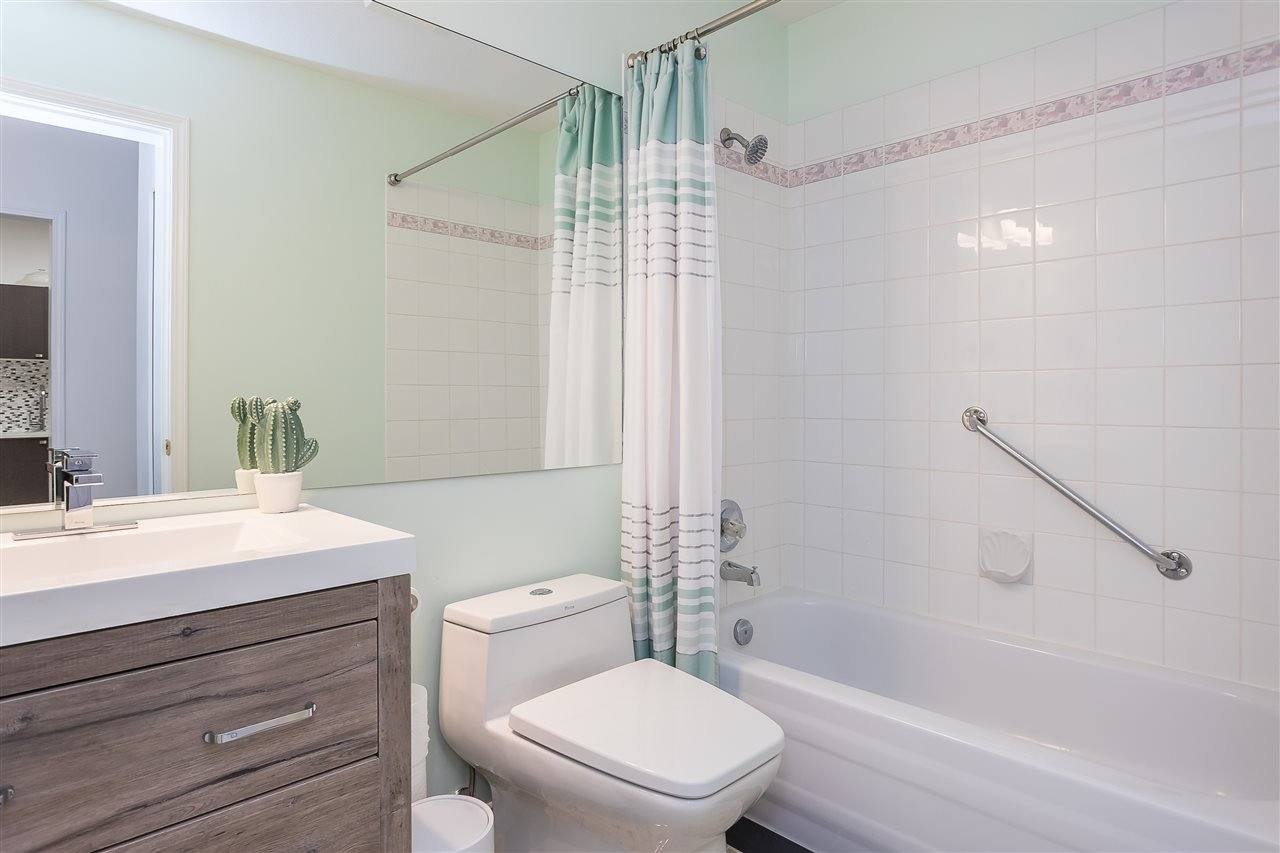"""Photo 14: Photos: 106 5489 201 Street in Langley: Langley City Condo for sale in """"CANIM COURT"""" : MLS®# R2491449"""