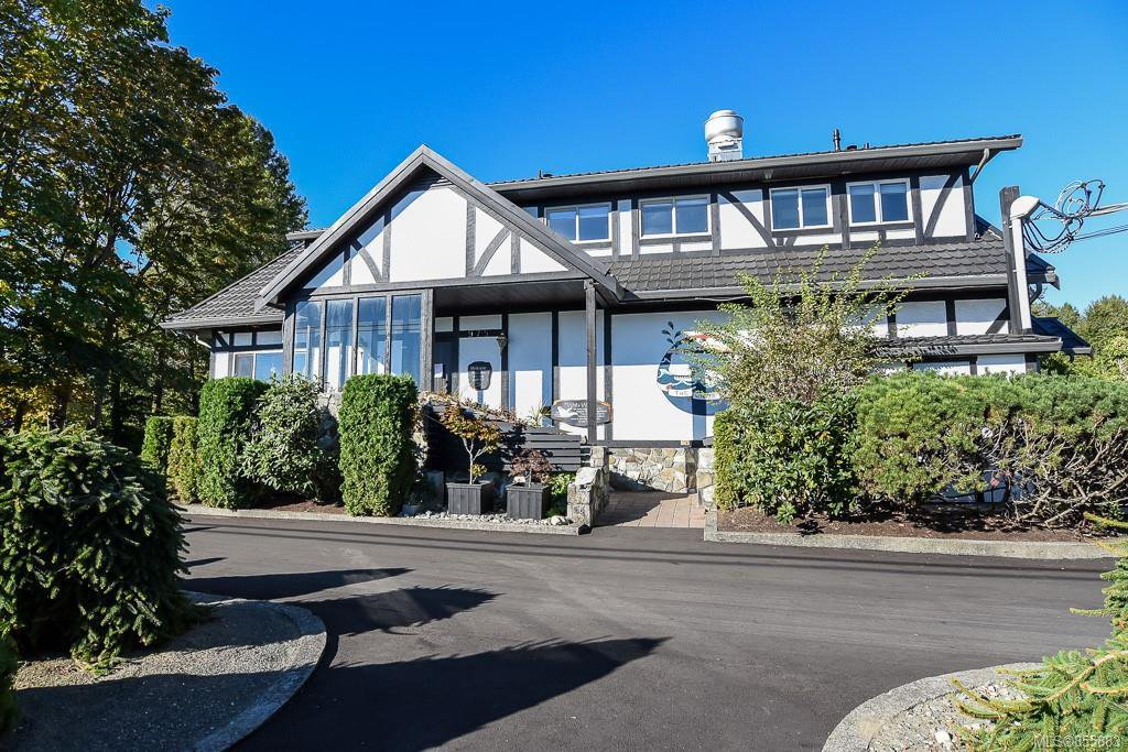 Main Photo: 975 Comox Rd in : CV Courtenay City Mixed Use for sale (Comox Valley)  : MLS®# 855883
