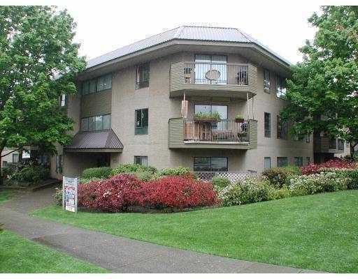 """Main Photo: 108 2150 BRUNSWICK Street in Vancouver: Mount Pleasant VE Condo for sale in """"MT. PLEASANT PLACE"""" (Vancouver East)  : MLS®# V767701"""