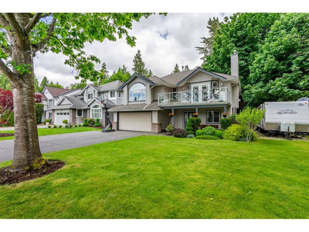 Main Photo: 21475 91 Avenue in Langley: Walnut Grove House for sale : MLS®# R2459148