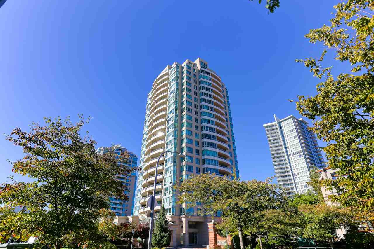 """Main Photo: 504 6659 SOUTHOAKS Crescent in Burnaby: Highgate Condo for sale in """"Gemini II"""" (Burnaby South)  : MLS®# R2504140"""