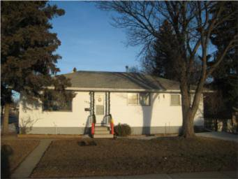 Main Photo: 1638 I Avenue North in Saskatoon: Single Family Dwelling for sale : MLS®# SK362945