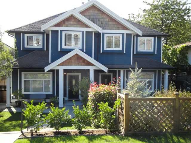 Main Photo: 325 E 5TH Street in North Vancouver: Lower Lonsdale House 1/2 Duplex for sale : MLS®# V854254