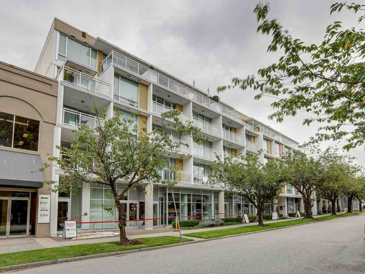 "Main Photo: 306 1635 W 3RD Avenue in Vancouver: False Creek Condo for sale in ""Lumen"" (Vancouver West)  : MLS®# R2404854"