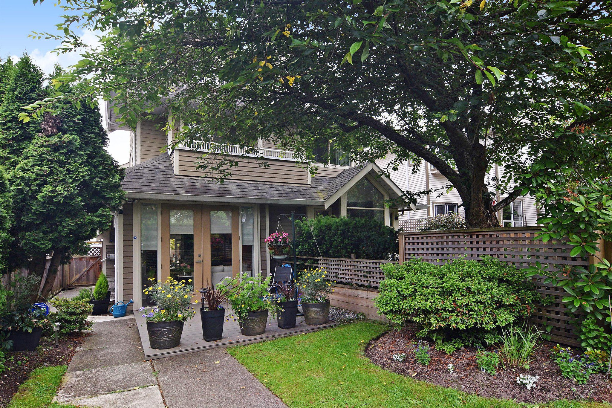 Main Photo: 3236 W 7TH Avenue in Vancouver: Kitsilano 1/2 Duplex for sale (Vancouver West)  : MLS®# R2467795