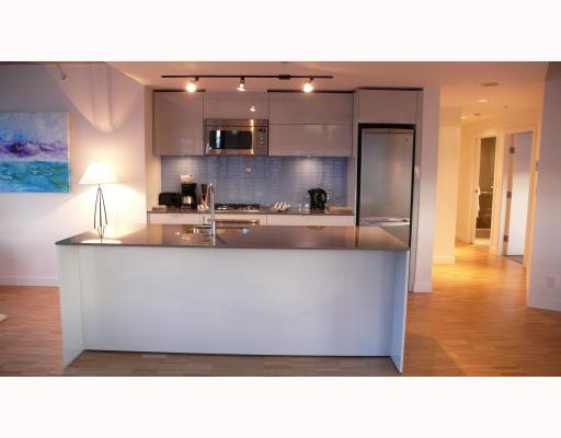 """Photo 5: Photos: 2310 128 W CORDOVA Street in Vancouver: Downtown VW Condo for sale in """"WOODWARDS W43"""" (Vancouver West)  : MLS®# V791001"""