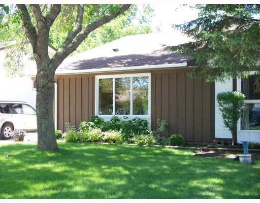 Photo 1: Photos: 32 KETTERING Street in WINNIPEG: Charleswood Residential for sale (South Winnipeg)  : MLS®# 2913128