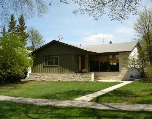 Main Photo: 816 OAK Street in WINNIPEG: River Heights / Tuxedo / Linden Woods Single Family Detached for sale (South Winnipeg)  : MLS®# 2707340