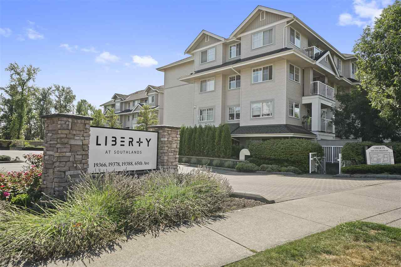 "Main Photo: 305 19366 65 Avenue in Surrey: Clayton Condo for sale in ""Liberty"" (Cloverdale)  : MLS®# R2397315"