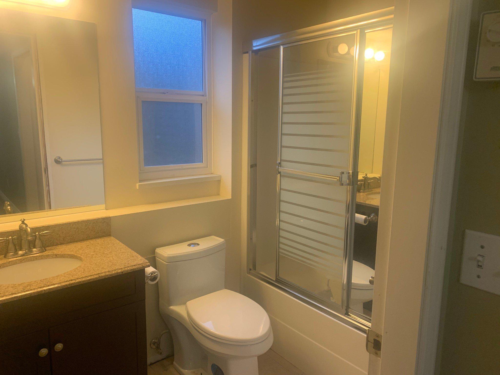 Photo 7: Photos: BSMT 1686 McKenzie Rd. in Abbotsford: Poplar Condo for rent