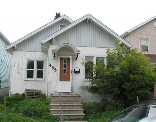 Main Photo: 432 MAGNUS Avenue in WINNIPEG: North End Residential for sale (North West Winnipeg)  : MLS®# 2915932