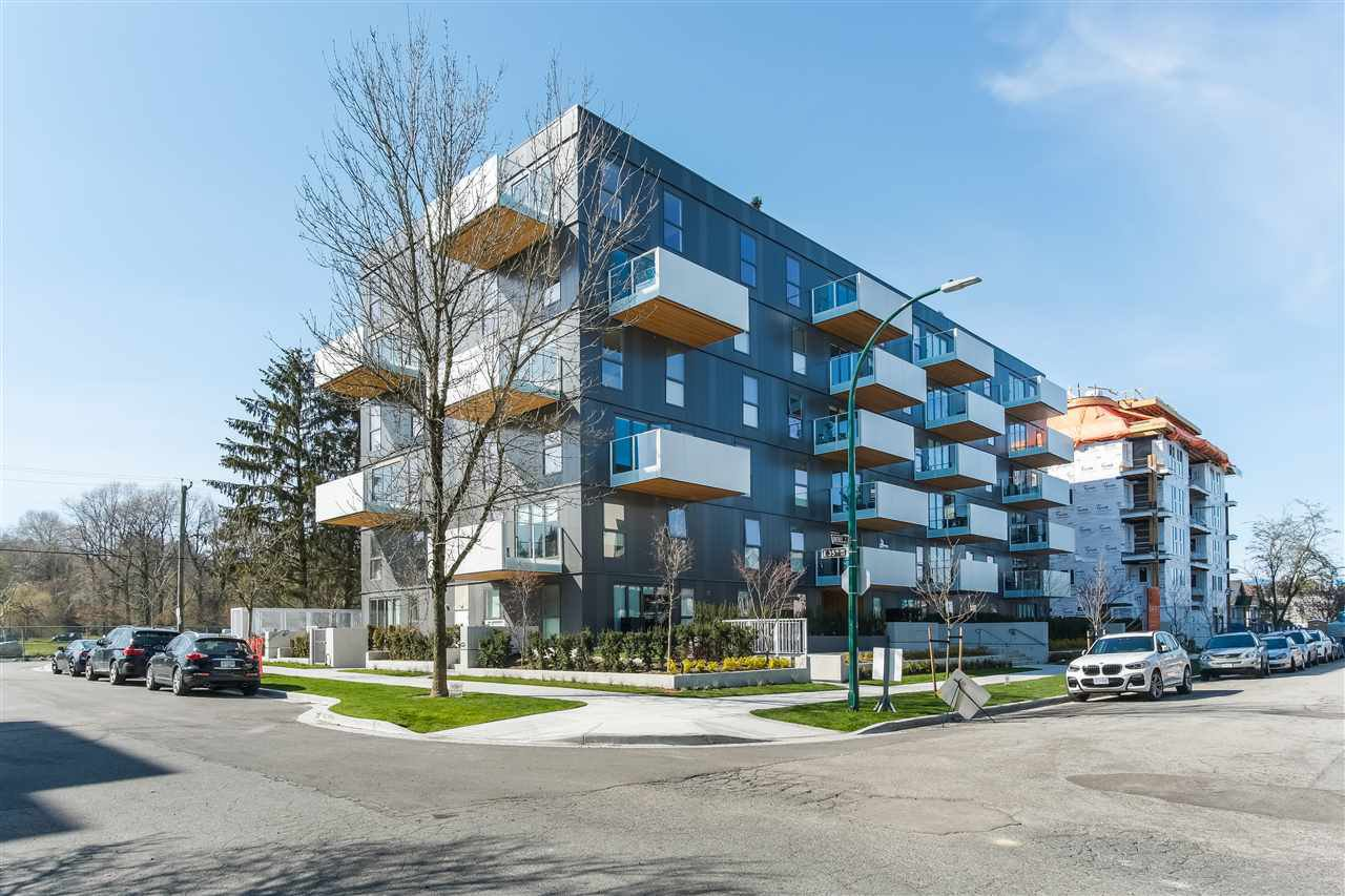 """Main Photo: 606 5089 QUEBEC Street in Vancouver: Main Condo for sale in """"SHIFT LITTLE MOUNTAIN BY ARAGON"""" (Vancouver East)  : MLS®# R2475021"""