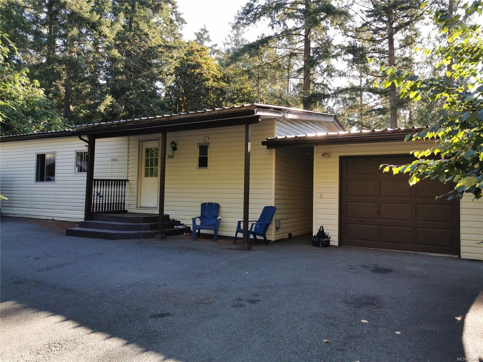 Main Photo: 5008 Glinz Lake Rd in : Sk 17 Mile House for sale (Sooke)  : MLS®# 854811
