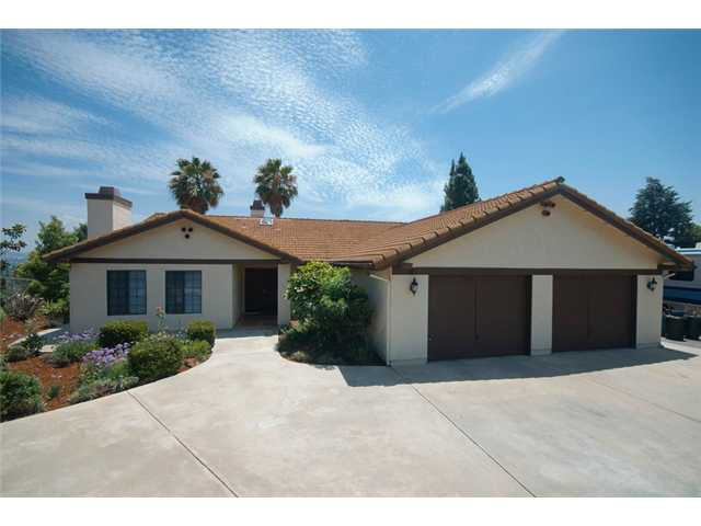 Main Photo: NORTH ESCONDIDO House for sale : 4 bedrooms : 1455 Rimrock in Escondido