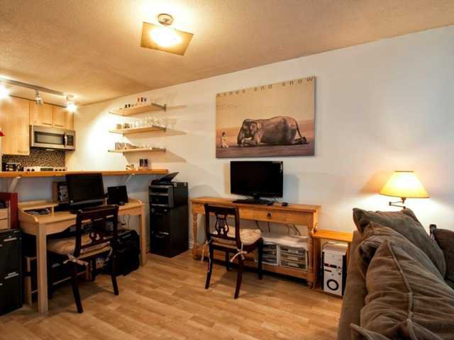 """Photo 5: Photos: 206 1465 COMOX Street in Vancouver: West End VW Condo for sale in """"BRIGHTON COURT"""" (Vancouver West)  : MLS®# V1044730"""