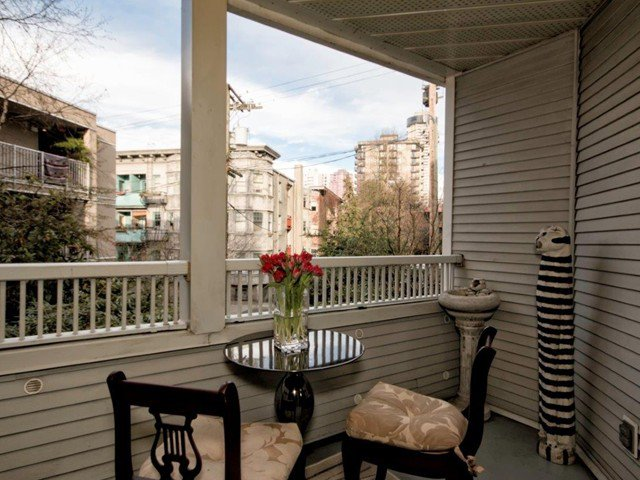 """Photo 4: Photos: 206 1465 COMOX Street in Vancouver: West End VW Condo for sale in """"BRIGHTON COURT"""" (Vancouver West)  : MLS®# V1044730"""