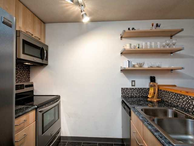 """Photo 8: Photos: 206 1465 COMOX Street in Vancouver: West End VW Condo for sale in """"BRIGHTON COURT"""" (Vancouver West)  : MLS®# V1044730"""