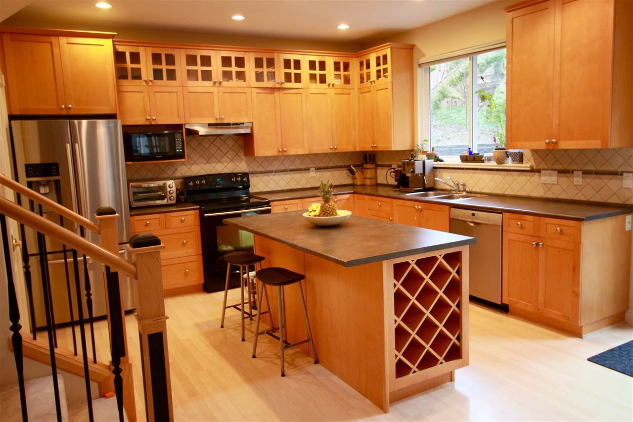 Photo 2: Photos: 2366 SUNNYSIDE Road: Anmore House for sale (Port Moody)  : MLS®# R2159024