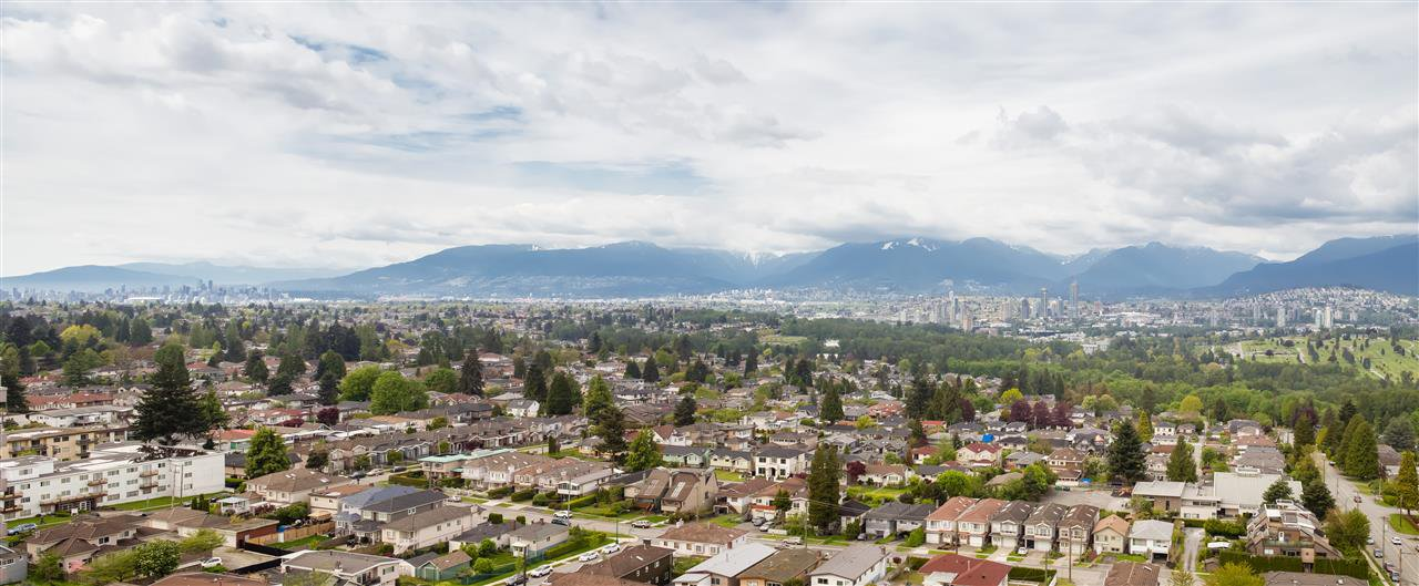 """Main Photo: 2005 6055 NELSON Avenue in Burnaby: Forest Glen BS Condo for sale in """"La Mirage II"""" (Burnaby South)  : MLS®# R2168192"""