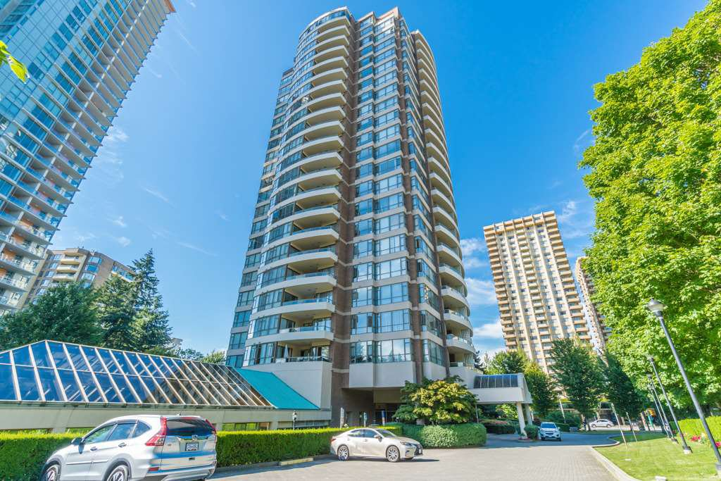 "Main Photo: 404 5885 OLIVE Avenue in Burnaby: Metrotown Condo for sale in ""THE MERTOPOLITAN"" (Burnaby South)  : MLS®# R2184579"