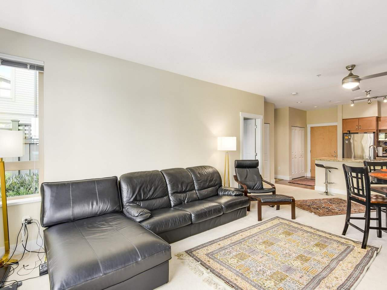 Photo 3: Photos: 106 2601 WHITELEY COURT in North Vancouver: Lynn Valley Condo for sale : MLS®# R2186381