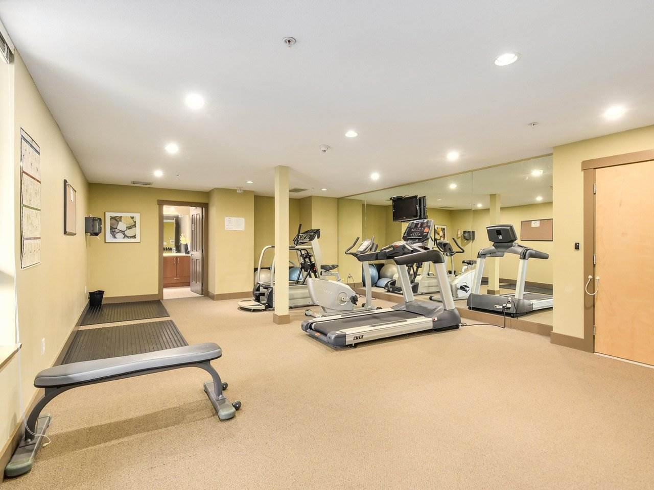 Photo 15: Photos: 106 2601 WHITELEY COURT in North Vancouver: Lynn Valley Condo for sale : MLS®# R2186381