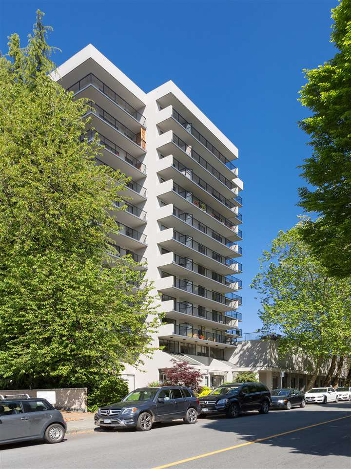 Main Photo: 401 150 E 15TH STREET in : Central Lonsdale Condo for sale : MLS®# R2066862