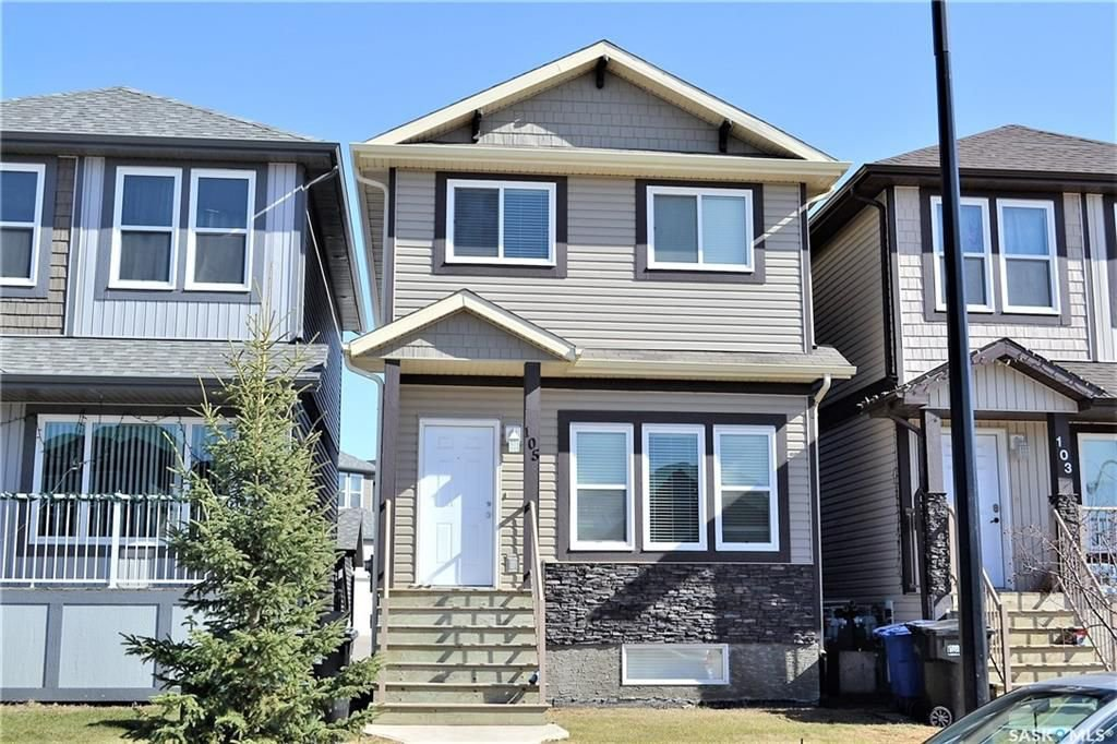 Main Photo: 105 Henick Crescent in Saskatoon: Hampton Village Residential for sale : MLS®# SK727356