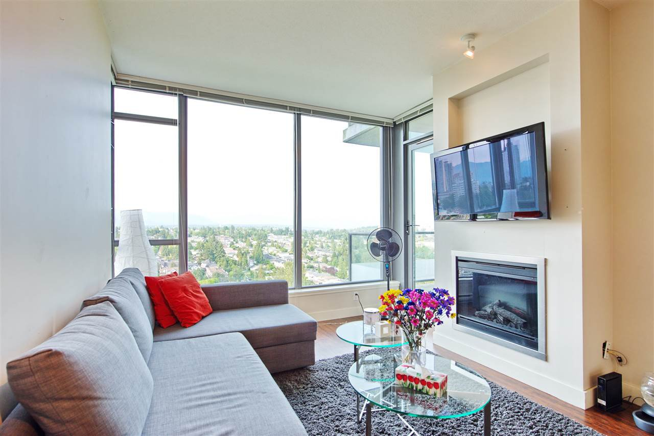 """Main Photo: 2205 7088 18TH Avenue in Burnaby: Edmonds BE Condo for sale in """"Park 360"""" (Burnaby East)  : MLS®# R2281295"""