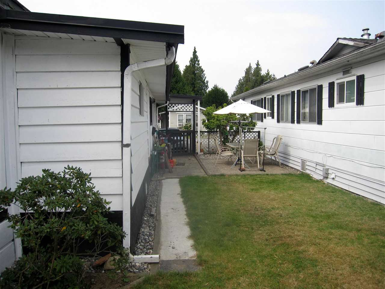 Photo 11: Photos: 24 21163 LOUGHEED Highway in Maple Ridge: Southwest Maple Ridge Manufactured Home for sale : MLS®# R2297032